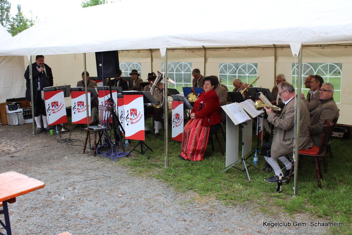 Mosbacher Musikanten beim Frühschoppen am 1. Mai 2018